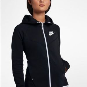 Women s Nike Tech Fleece Full Zip Hoodie on Poshmark d4fa327ffa
